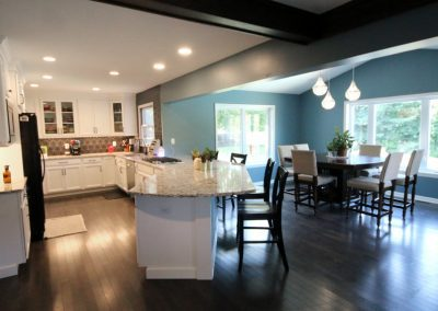 Inviting Kitchen with Open Floor Plan